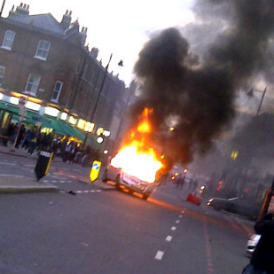 Burning police car, Tottenham, 6 August [Copyright © 2011 ITN/Channel 4