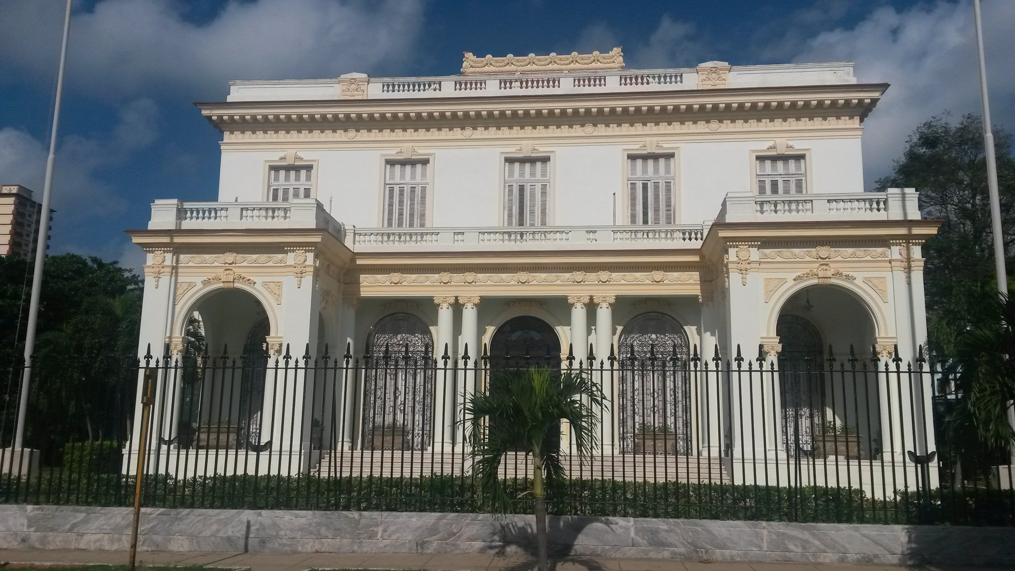 An example of a building in western Habana's more affluent district (Caroline Rice)